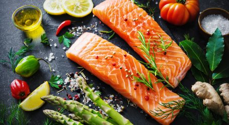 Mother's Day Salmon-lunch in the backyard – Jaimie Oliver